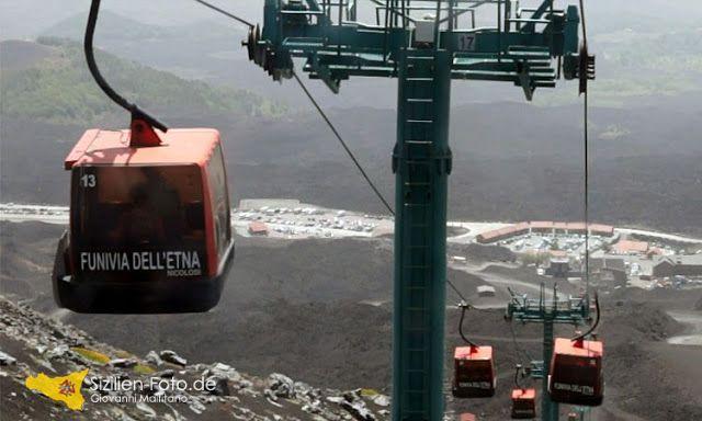 Die Seilbahn auf dem Vulkan Ätna http://www.sizilien-etna.de/2014/06/preise-uhrzeiten-seilbahn-vulkan.html