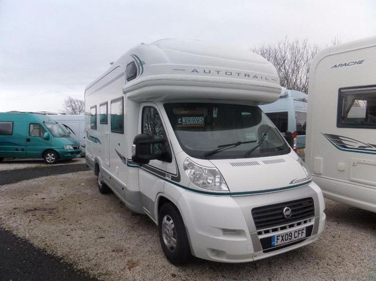 AUTO TRAIL CHEYENNE 740  LUXURY COACHBUILT WITH LOW SINGLE BEDS AND END BATHROOM FIAT DUCATO 3.0, 160 BHP, AUTOMATIC 9000 MILES 2/4 BERTH  WASHROOM WITH SEPERATE SHOWER CUBICLE FULL SIZED OVEN GRILL AND GAS HOB 3 WAY FRIDGE, MICROWAVE TRUMA GAS / ELECTRIC HEATING AND HOT WATER  AWNING, BBQ POINT, OUTSIDE SHOWER,  DOMETIC ROOF AIR CONDITIONING CRUISE, AIR CON, TOW BAR FITTED  SUPPLIED WITH MOT, SERVICE, HABITATION CHECK AND 12 MONTHS WARRANTY OPEN 7 DAYS A WEEK FOR VIEWING\n