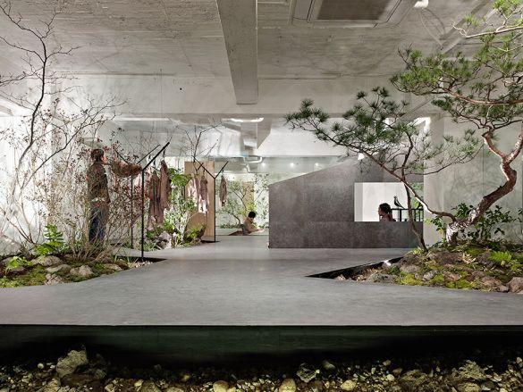 iDesignMe-Love for Nature-interior garden-1 http://idesignme.eu/2013/11/love-for-nature-showroom-ufficio-e-giardino-tutto-in-uno/ #interior #design #interior design #designer #green #showroom #office #space #architecture #place #green
