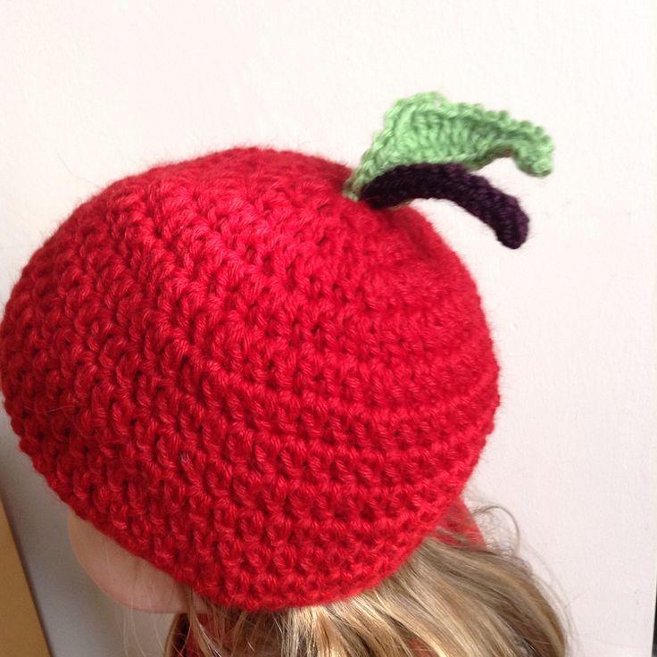 2015. Crocheted Apple Hat. Idea found on Etsy. Yarn: Sandnes Garn Alpakka strompegarn