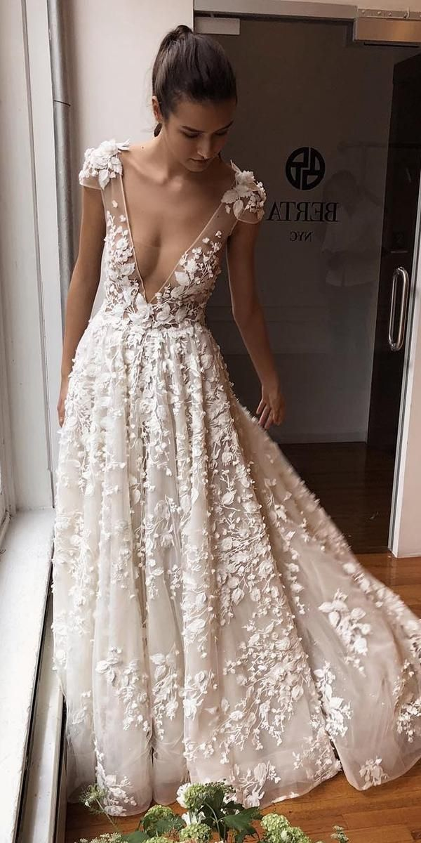 a612b3e4a0d3 Trendy Wedding Dresses For Contemporary Bride