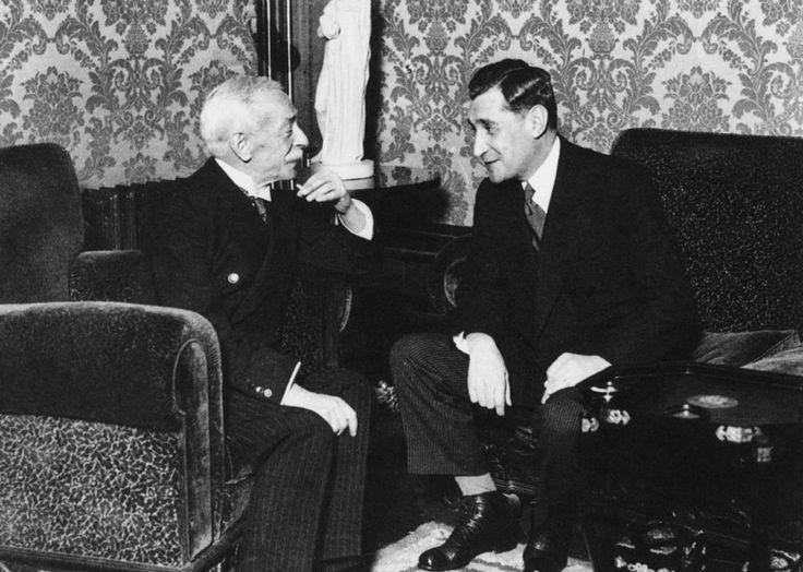 Salazar and President Oscar Carmona - c.1940