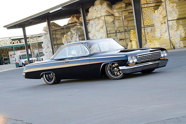 """Giddy up, giddy up, giddy up 409? This gorgeous 1962 #Chevy #BelAir """"#BubbleTop,"""" built by Alabama's Rods & Restos, is powered by a 557HP 484ci FAST fuel-injected """"409"""" big block and rides on an Art Morrison chassis, Strange Engineering coilovers, Baer brakes, Yokohama Advan Sport tires, and 18x8/20x10 #Forgeline #ZX3P wheels finished with Gloss Black centers & Chrome outers! See more at: http://www.forgeline.com/customer_gallery_view.php?cvk=641  Photo courtesy of #HotRodMagazine."""