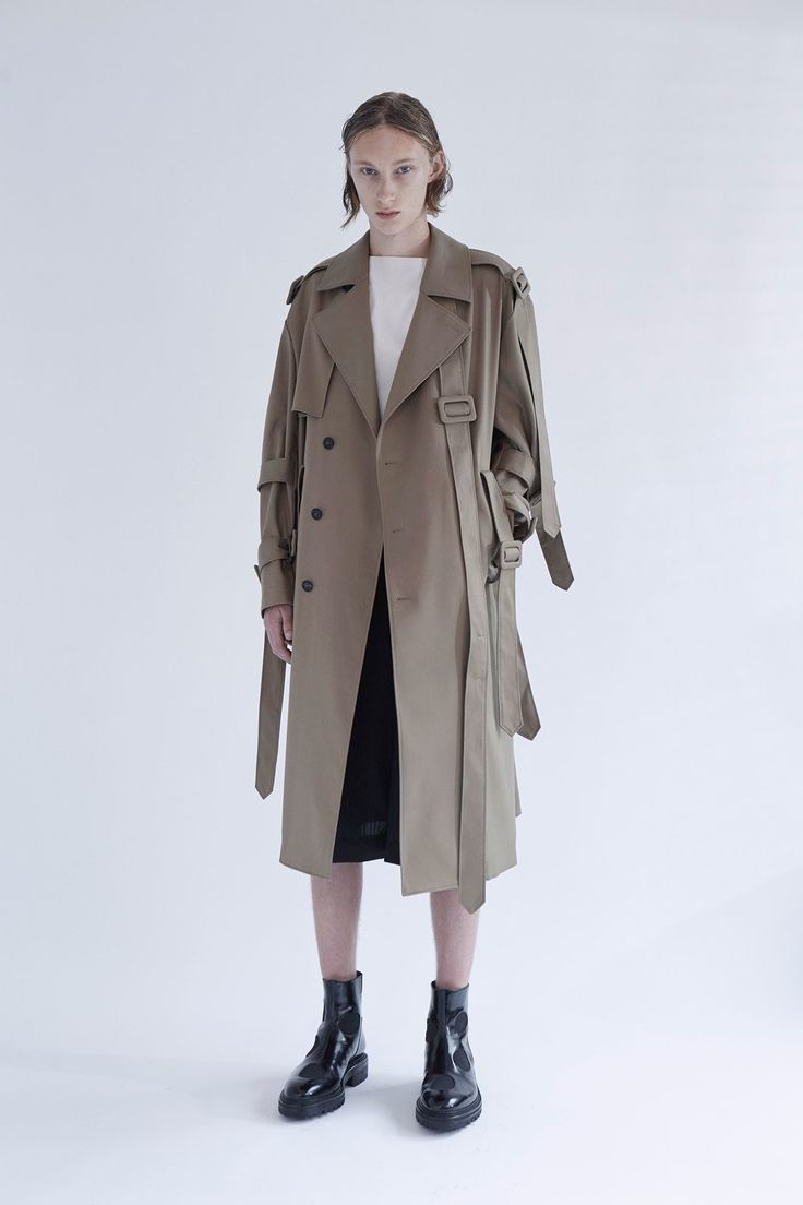 Yang Li Spring 2017 Menswear - revisited trench coat