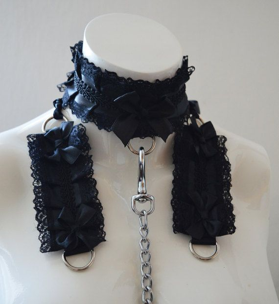 Kitten play collar leash and cuffs - queen of spades - bdsm proof goth gothic gear ddlg kittenplay petplay slave girl boy adult sexy choker