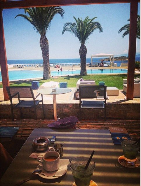 Spending relaxed moments with friends at Sensimar Minos Palace  Photo credits @annyshka3101