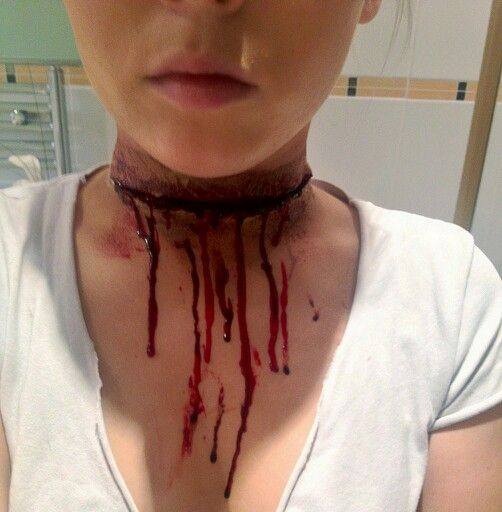 Throat Slit Effect 14
