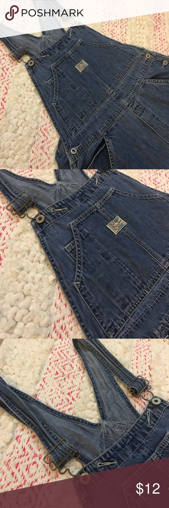 """Vintage Old Navy Overalls Here's some awesome vintage Old Navy overalls! Size Medium with a inseam of 30"""" but the straps are adjustable which is always great for extra length! Super comfy and in great shape! Perfect for a 90s theme party or for just regular wear! :) Old Navy Jeans Overalls"""