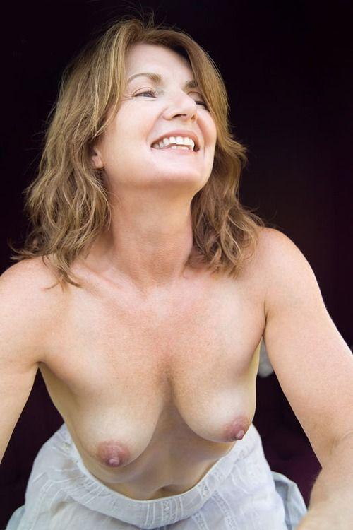 Slinny nude girls
