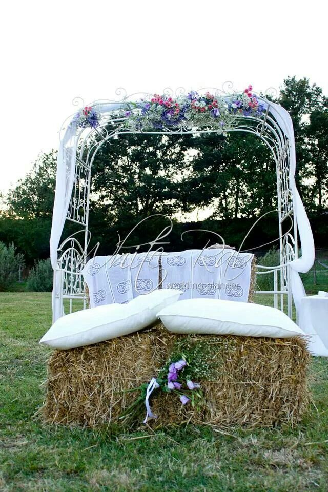 Country wedding - Flower Decoration - Wedding Planner Roma - Rito simbolico - balle di fieno
