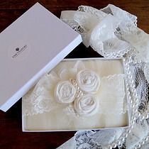 Vintage inspired wedding garters.