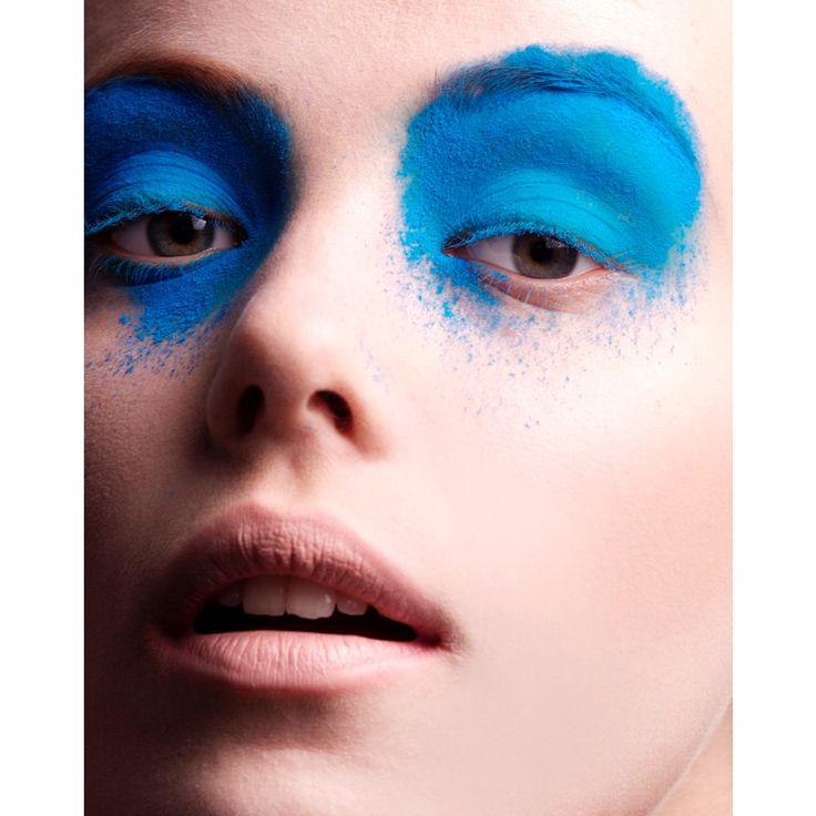 . ☮️✡️💟 . Hair&Make-up by @biancahartkopf . 🔯☯️✝️ . 🆒✨ ______________________________________ . #biancahartkopf #biancahartmakeup #ビアンカ #hairmakeup #hairmake #hair #make #makeup #cosmetics #pawder #ヘアメイク #メイクアップ #コスメ #パウダー #blue #pink #青 #ピンク #face #artist #rip #photo #beauty #アーティスト #ビューティー