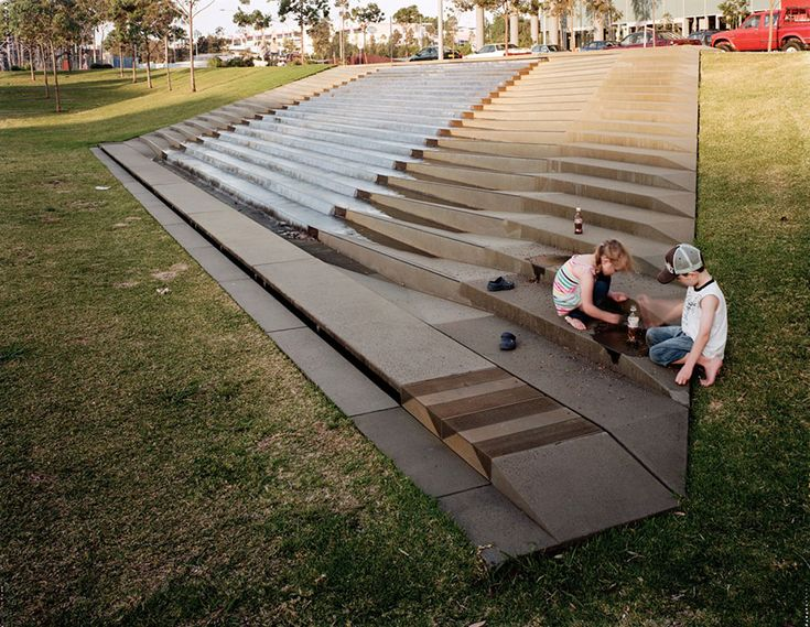 Award winning water feature at Victoria Park by HASSELL Landscape Architecture Works | Landezine