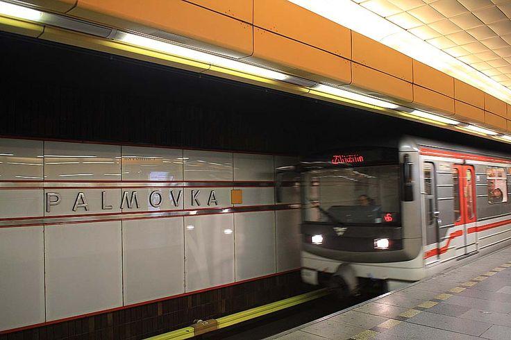 Métro, Tramway & Voiture de Collection, Prague  http://www.heitza.com/metro-tramway-voiture-de-collection-prague/