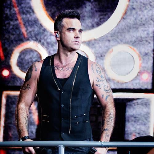 Robbie Williams estuvo en su chat de Upfront el día de ayer donde contó algunas cosas : - Ya tiene el nombre del disco, pero que no lo puede compartir aún - Esta en terapia ( no especifica de qué) ...
