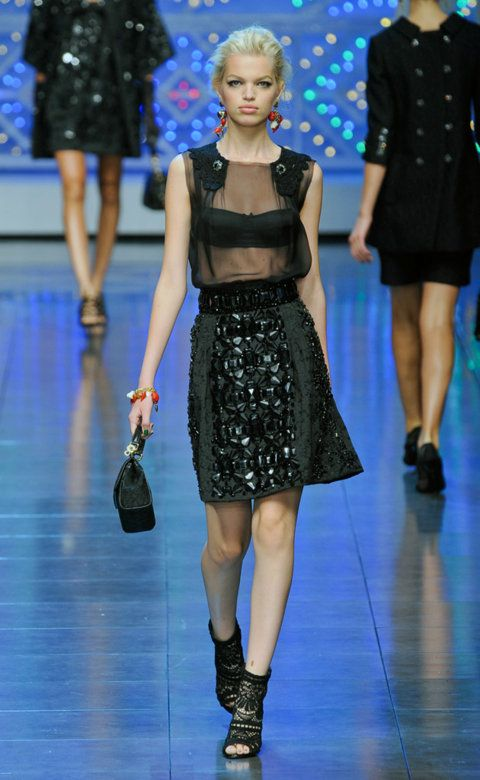 Desfile de Dolce&Gabbana. Milán. Resumen de las mejores pasarelas de la temporada primavera-verano con fotos. vídeos, Front Row, StreetStyle 2012. Primavera-verano.