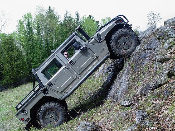 Hummer H1...want....