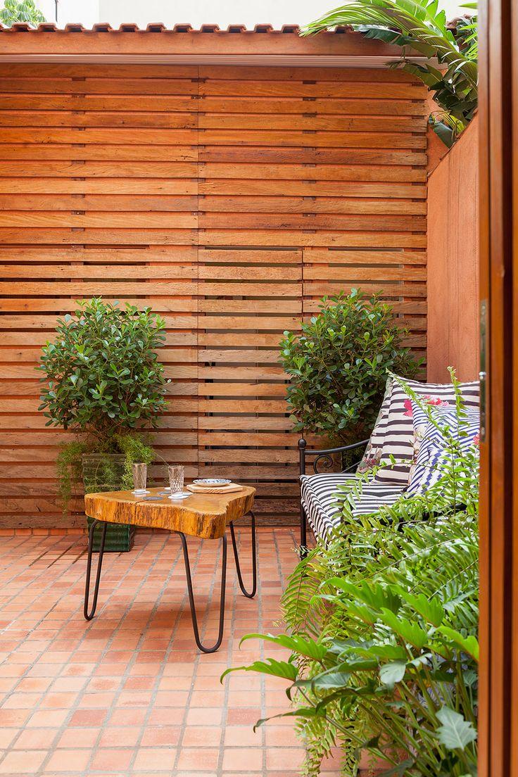Um casa em que em todo cantinho de um objeto especial, deixando o décor ainda mais pessoal: http://www.casadevalentina.com.br/blog/open-house-gabi-lorenzetti/ ------------------------  A home that in every corner of a special object, leaving the décor even more personal: http://www.casadevalentina.com.br/blog/open-house-gabi-lorenzetti/