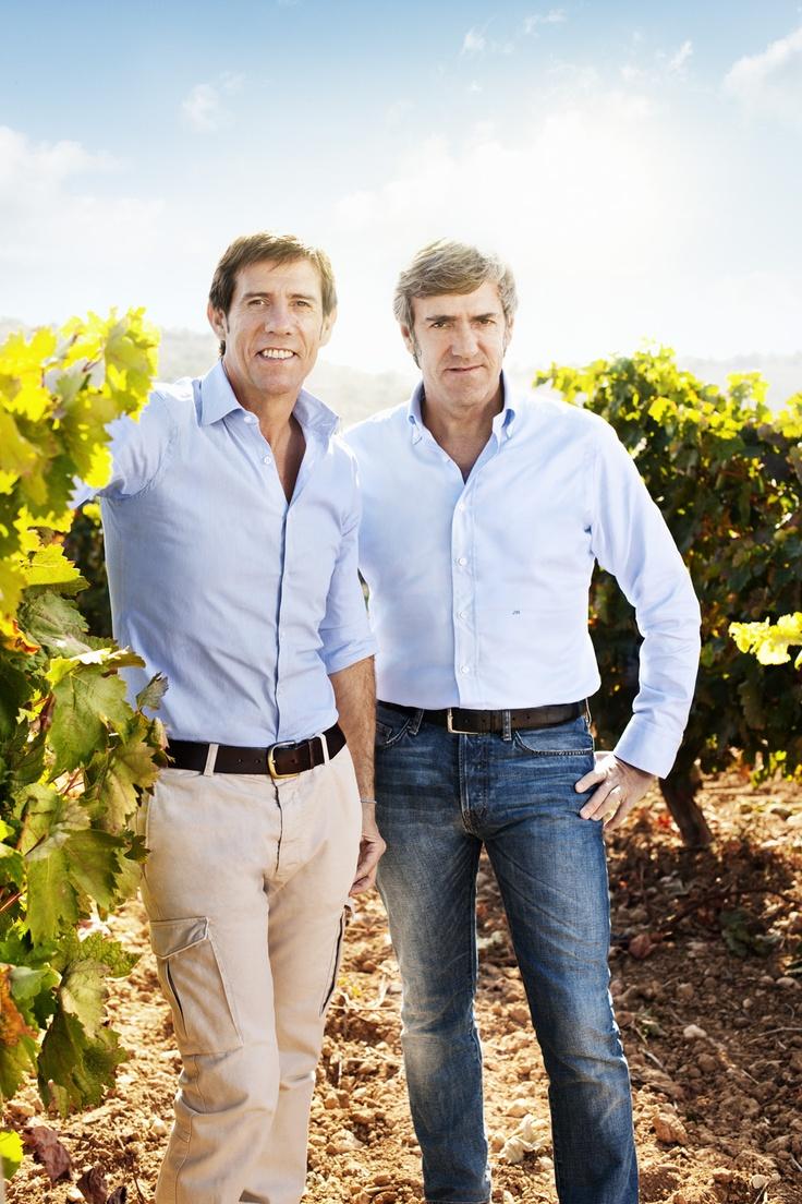 La Fundación Emilio Moro desarrolla una labor de investigación que refleja importantes proyectos sobre la trazabilidad de la viña, selección clonal o adaptación de nuevas varietales y una tradición que se trasmite ahora también en la nueva imagen de sus vinos.