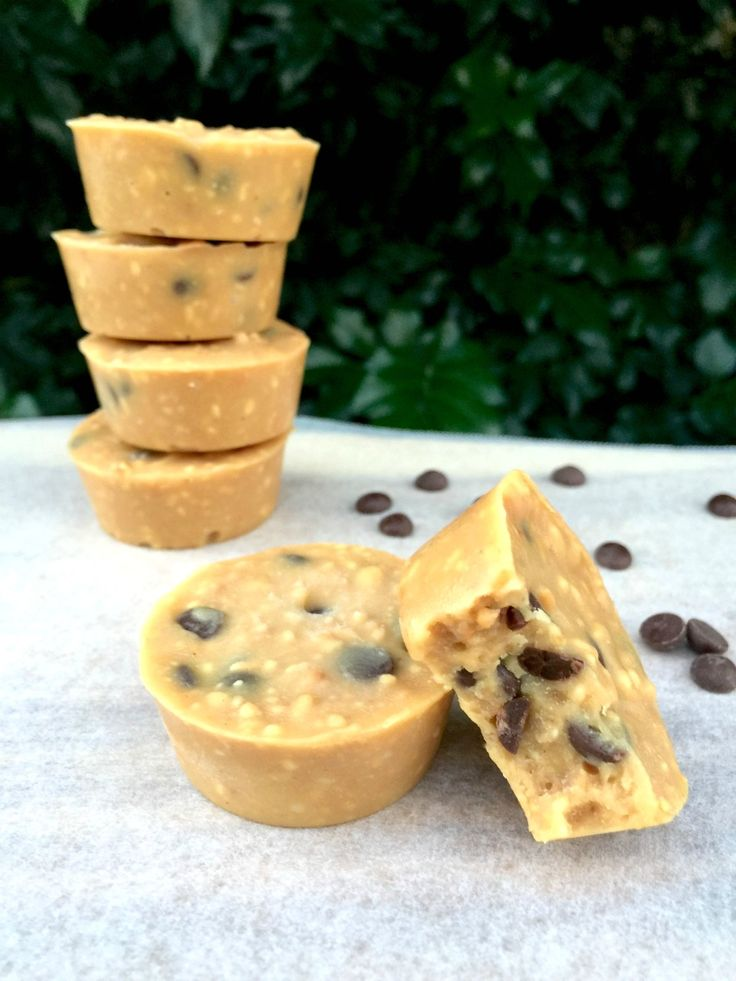 Fudge doesn't need to be off the menu when you are trying to lose weight. Make your own from scratch and can enjoy this 5 Ingredient Choc Chip Fudge.