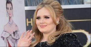 Adele será homenageada no aniversário da Rainha Elizabeth II - A cantora Adele receberá honras da realeza britânica na comemoração do aniversário da Rainha Elizabeth II