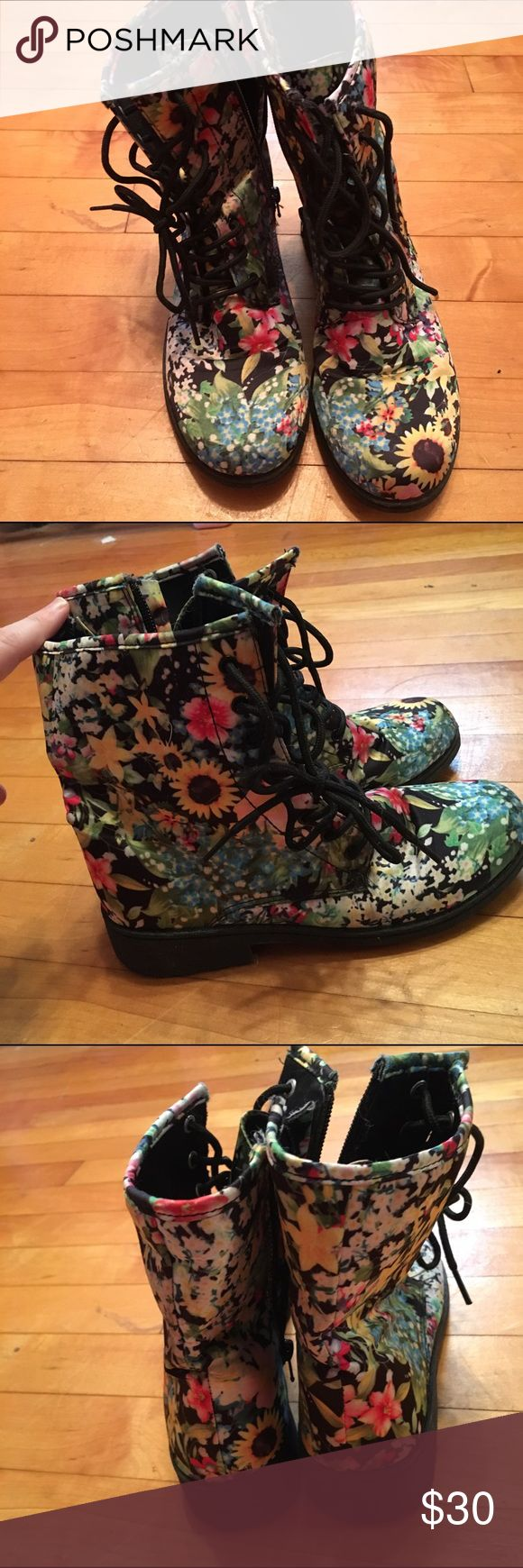 Floral combat boots Floral combat boots, material is vinyl-like, zipper up the inside. Originally from Modcloth. Size 6. ModCloth Shoes Combat & Moto Boots