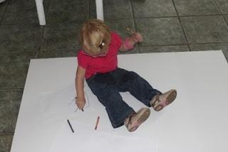 Toddler Tip - Making Coloring Less MessyToddlers Activities, Baby Activities, Kids Stuff, Activities Stuff, Kids Ideas, Activities Mom, Toddlers Ideas, Baby Girls, Toddler Activities