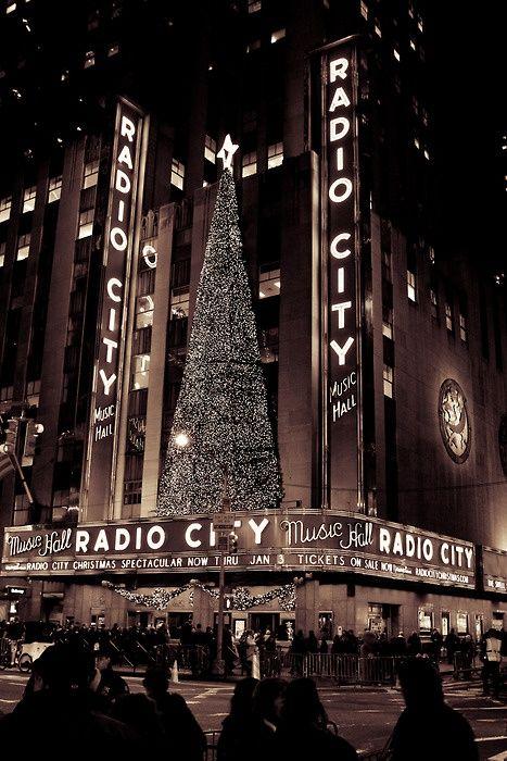 NYC. Radio City Music Hall Christmas