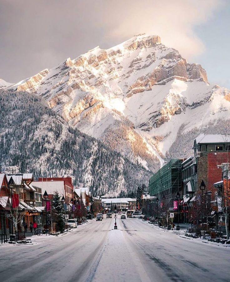 Banff National Park - Banff Main Street