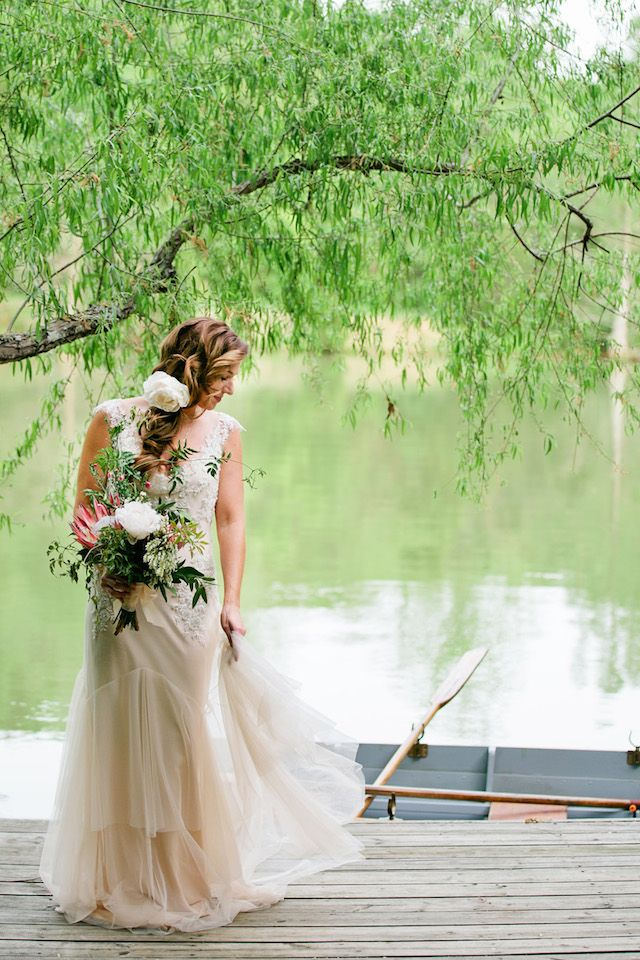 Sarah Janks wedding dress | Kristyn Hogan Photography | see more on: http://burnettsboards.com/2014/09/rustic-refined-driftwood-wedding-inspiration/