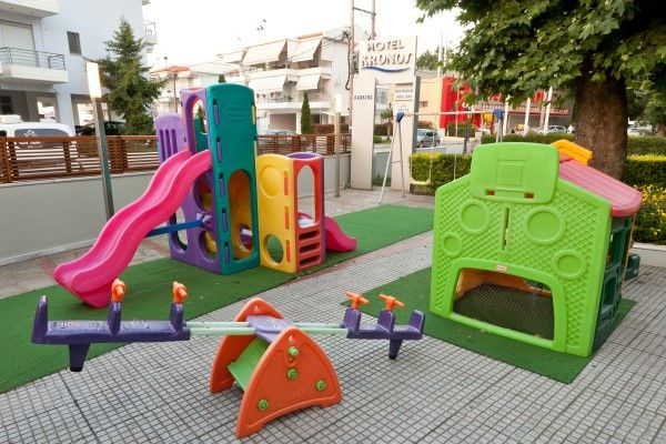Kronos Hotel  Playground