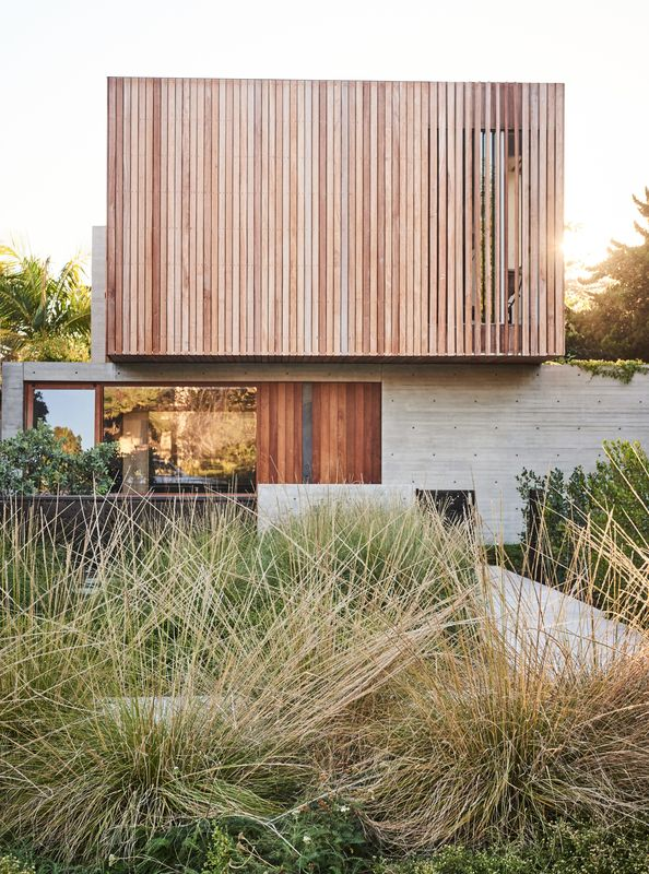 With LEED-certified sustainability on the top of their list, a couple sets the bar for their new Los Angeles home.