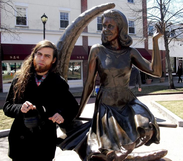 Elizabeth Montgomery Bewitched Statue, Salem, MA