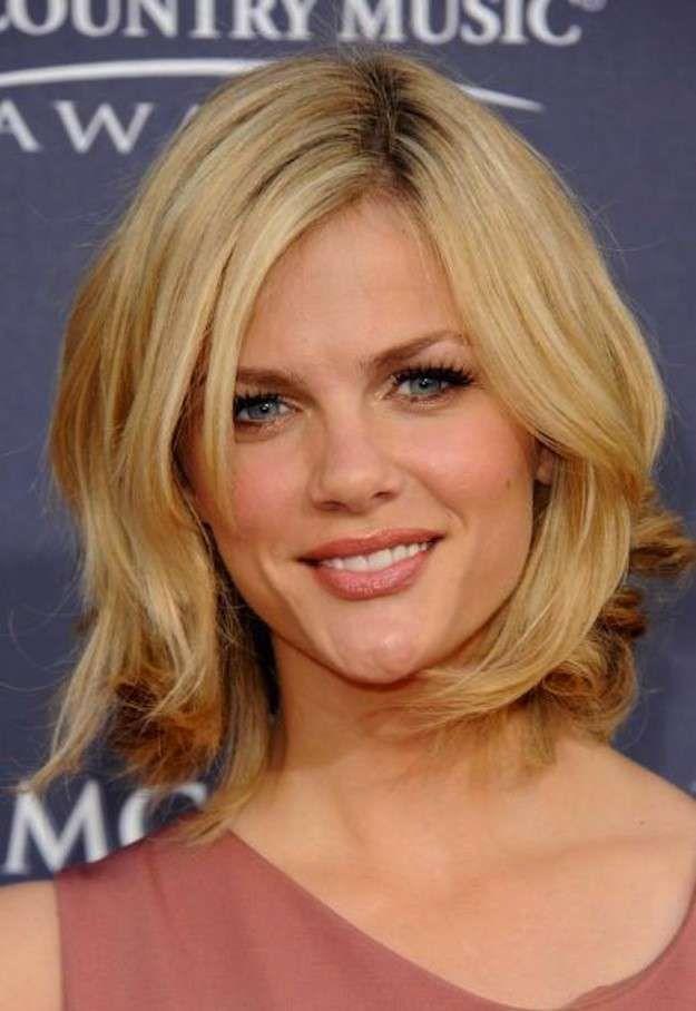 Peinados para mujeres de 40 años: fotos de los peinados - Media melena escalada