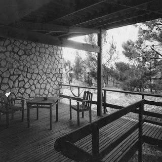 A: Le Corbusier, C: Les Mathes, D: 1935, N: Vile aux Mathes, P: France, R: 1000, T: house,