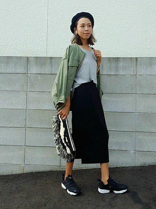 去年買ったタイトスカート 今年もスニーカーに合わせて履いてみました(*´艸`) ゆったりなオーバー