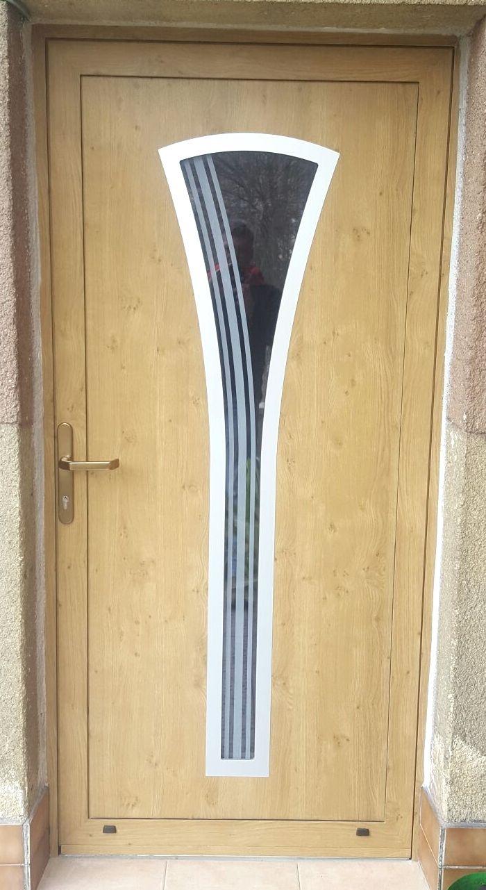 Vchodové dvere s HPL dvernou výplňou GAVA 871