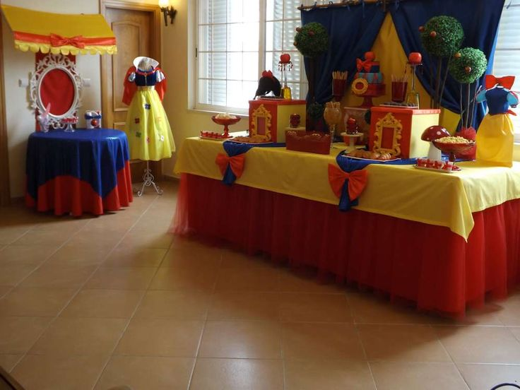 Snow White Birthday Party Ideas | Photo 12 of 27 | Catch My Party