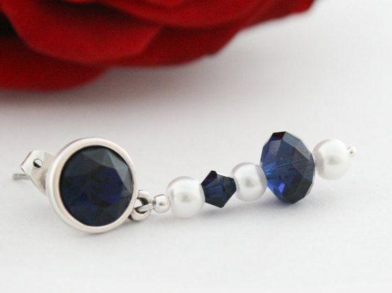Indigo blauwe oorbellen met witte parels van Fedaro op Etsy