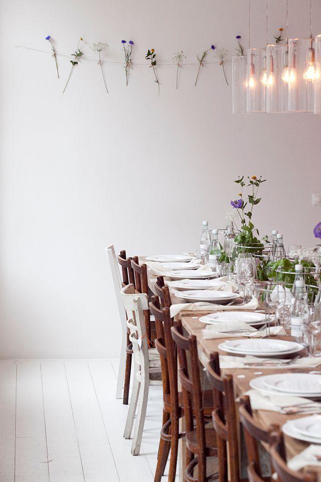 minimalist flower wall//