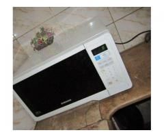 Microwave Ovens White Color Almost New Available For Sale In Karachi