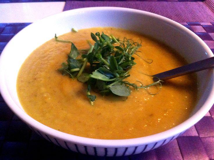 Soppa på jordärtskocka med ingefära och vitlök
