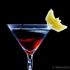 Batman - The Dark Knight Rises Cocktail | MyRecipes.com --  1 ounce(s) Vodka Eristoff Black  1 ounce(s) Lemonade   1 ounce(s) Cranberry juice   1 slice(s) Pineapple   1 piece(s) Lemon