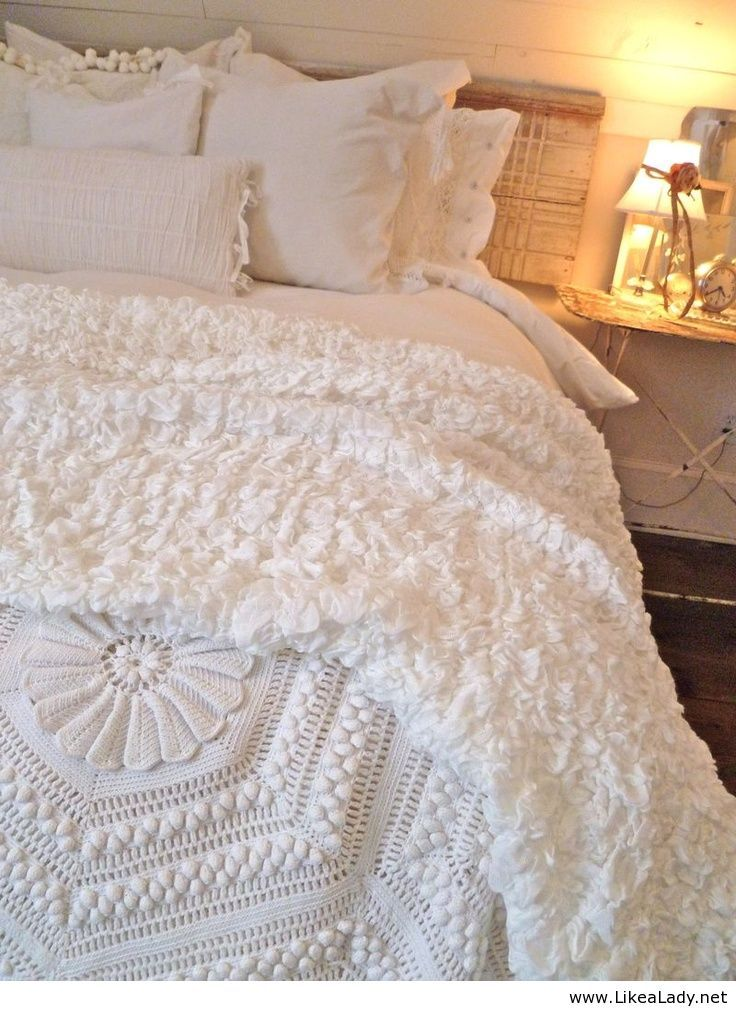 Gorgeous white bedding Wish I could have white bedding except I have a dog lol