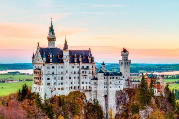 Castelo de Neuschwanstein, Alemanha - 26lugares reais que parecem saídos deumconto defadas - http://incrivel.club/admiracao-lugares/26-lugares-reais-que-parecem-saidos-de-um-conto-de-fadas-23755/#image143655