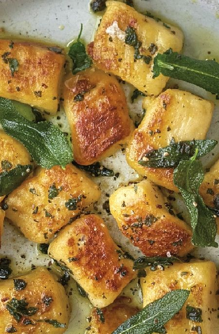Low FODMAP Recipe and Gluten Free Recipe - Gnocchi with sage butter    http://www.ibs-health.com/low_fodmsp_gnocchi_sage_butter.html
