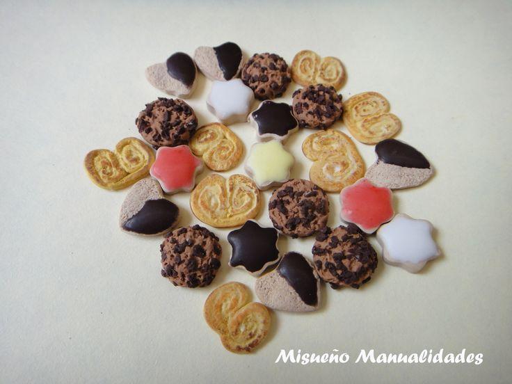 Galletas variadas, todas hechas de Fimo.  Ø 0,8-1 cm. www.misuenyo.com / www.misuenyo.es