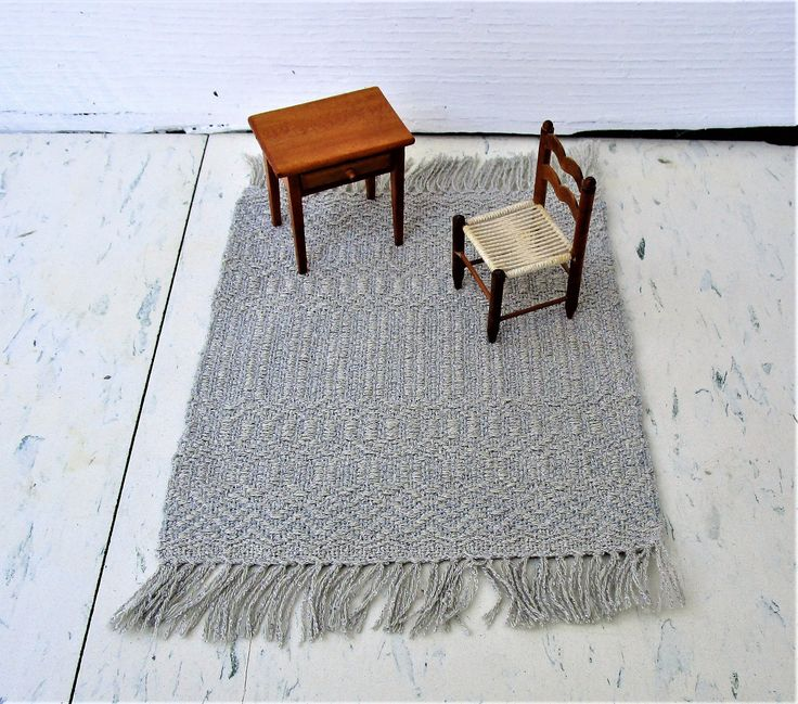 Silver and Gray Hand Woven table Rug, Miniature Doll House Rug. Rose Path threading. Wool weft, silk warp. 7″ by 10″ including fringe