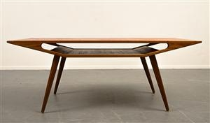 Soffbord I teak 1950/60-tal, okänd formgivare. Looks like the Manta desk by Noé Duchaufour Lawrence