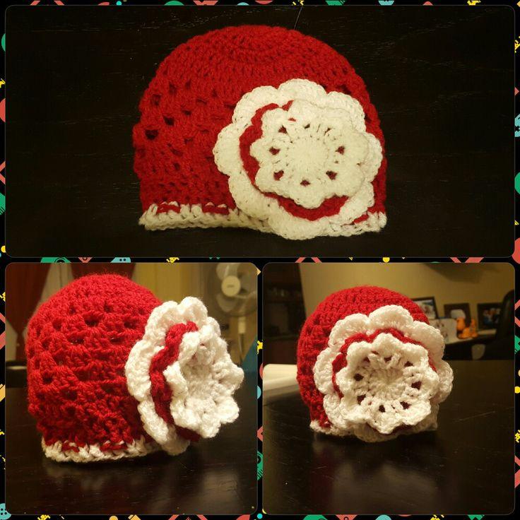 Gorro tejido al crochet de bebe con flor T: 3 a 4 meses